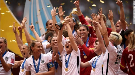 The U.S. team celebrates after winning the 2015 World Cup. (Photo: CNN)